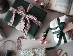 Slå in julklapparna med det som finns hemma - Studio Elwa Kiosk