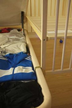 Post with 22 votes and 72567 views. Shared by Convert Ikea Crib to Co-Sleeper Porch Repair, Ikea Crib, Co Sleeper Crib, Baby Life Hacks, Baby Zimmer, Nursery Modern, Baby Planning, Baby Milestones, Baby Furniture