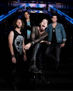 Mike matt ian serious faces then theres josh goof Marianna Trench, Marianas Trench Band, Josh Ramsay, Canadian Boys, Memphis May Fire, Baby L, Pop Songs, My Chemical Romance, Twenty One Pilots