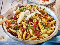 Unser beliebtes Rezept für Italienischer Nudelsalat und mehr als 55.000 weitere kostenlose Rezepte auf LECKER.de.