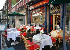 Restaurant review: Davy Byrnes's pub grub is a classy affair - Independent.ie Guinness Pies, Dubliner Cheese, Restaurants In Dublin, Irish Bar, Prawn Cocktail, Black Pudding, Seafood Platter, Poached Pears