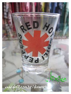 Copo Shot Red Hot Chili Peppers R$20,00