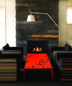 Manteau de cheminée en ardoise Fireplace Wall, Decoration, New Homes, House, Couture, Design, Home Decor, Slate Fireplace, Wood Burning Fireplaces