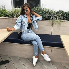 Casual Outfits For Teens, Trendy Outfits, Casual Attire, Basic Outfits, Double Denim Outfits, Urban Outfits, Looks Total Jeans, Mode Outfits, Fashion Outfits