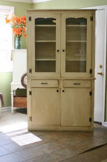 refinishing furniture- good site-she has lots of good ideas Refurbished Furniture, Cabinet Furniture, Upcycled Furniture, Furniture Projects, Furniture Makeover, Home Projects, Cool Furniture, Painted Furniture, Furniture Design