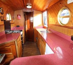   Church Minshull Aqueduct Marina Boat Cleaning, Narrow Boat, Fatal Attraction, Fitted Wardrobes, Marble Effect, Vanity Units, Double Bedroom, Water Tank, Corner Bathtub