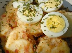 Katherines Mustard Potato Salad/ she is a mayo hater too! Potato Dishes, Potato Recipes, Soup Recipes, Salad Recipes, Vegetarian Recipes, Baby Potato Salad, German Salads, Southern Style Potato Salad, Great Recipes