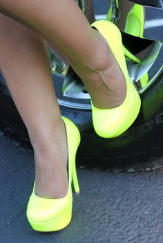 neon shoes... yes please! :)