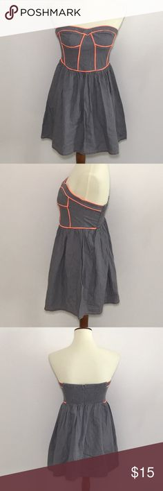 Do&be strapless dress Gray & neon orange. 80% cotton /20% poly. Sweetheart neckline with silicone group. Elastic back. EUC. do&be Dresses Midi