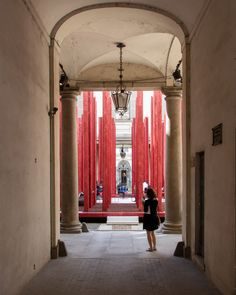 https://www.dezeen.com/2018/05/03/asif-khan-tempietto-nel-bosco-palazzo-litta-milan-design-week/ Installation Art, Art Forms, Contemporary Art, Gallery, Design, Milan, Home Decor, Cathedral, Benches