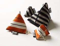Johanna Gullichsen, Textile Craft & Design : trip pouch, fabric : Ribbon Collection http://www.johannagullichsen.com/