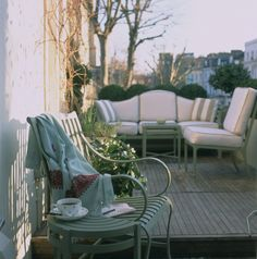 Nina Campbell, Roof Terrace of Notting Hill Town House Outside Room, Outside Living, Outdoor Living, Garden Tree House, Fresco, Nina Campbell, Interior And Exterior, Interior Design, World Of Interiors