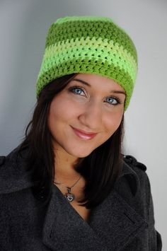 Čepice Neonka Háčkovaná čepice směsovou dvojitou přízí v neonových barvách.