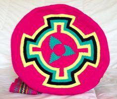Wayuu tribe mochila bags handmade JUUSAYÜ: by wayuuhandscolombia