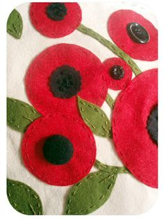 Mod Felt Poppys - like the different sizes and various centers.