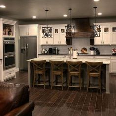 Are you looking for rustic kitchen design ideas to bring your kitchen to life? I have here great rustic kitchen design ideas to spark your creative juice. Kitchen Decorating, Home Decor Kitchen, New Kitchen, Home Kitchens, Awesome Kitchen, Kitchen Interior, Smart Kitchen, Kitchen White, Farm House Kitchen Ideas