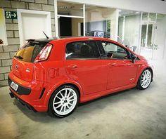 Fiat Punto #fiat Fiat Punto Sporting, Fiat Grande Punto, Fiat Uno, Fiat Cars, Small Cars, Cars And Motorcycles, Dream Cars, Ferrari, Dream Garage