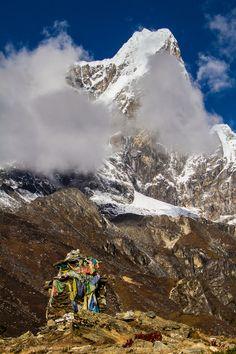 Taboche ( 6542 m / 21463 ft ) - Himalayas, Nepal