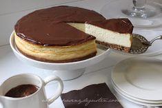 Se puede decir que la New York es la reina de las tartas de queso. Si eres tan fan de estas tartas como yo lo soy, con esta receta, v...