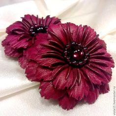 """Купить Брошь """"Беатрис Арагон"""". Красный цветок натуральная кожа гран - брошь-цветок"""