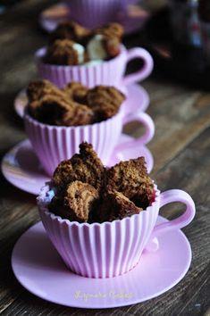 Lynara Cakes: Bolu Kukus Mekar (Soft Drink) Roti Recipe, Soft Drink, Cake Cookies, Cake Recipes, Muffin, Food And Drink, Pudding, Food Cakes, Drinks