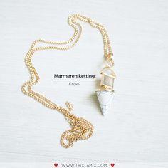 Upgrade jouw outfit met de laatste marmeren details trend met deze mooie ketting, een trend die je vaak voorbij zult zien komen deze lente  .   Shop marmeren sieraden op www.trixlamix.com  #trixlamix #marble #jewelry #necklace #style #musthaves #fashion #musthave #earrings  #cute #ootd #ootn #outfit #picoftheday #instagood #love