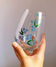 glass crafts painted Forget Me Not- Hand Painted Wine Glass glass bottle crafts Glass Painting Patterns, Painting Glass Jars, Painted Glass Bottles, Glass Painting Designs, Bottle Painting, Glass Art, Sea Glass, Diy Wine Glasses, Decorated Wine Glasses