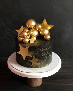 I thank my lucky stars. Elegant Birthday Cakes, Happy Birthday Cupcakes, Beautiful Birthday Cakes, Gold Birthday Cake, Birthday Cakes For Men, Beautiful Cakes, Birthday Cake For Boyfriend, Cake Decorating Supplies, Cake Decorating Techniques
