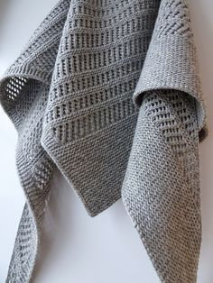 Ravelry: Oceaan's Zwolle pattern Paris Tujours by Isabell Kraemer - landscaping tips Shawl Patterns, Lace Patterns, Knitting Patterns Free, Crochet Patterns, Ravelry, Knit Or Crochet, Crochet Shawl, Crochet Baby, How To Purl Knit