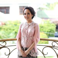 Wearing your sleeves have never been more stylish. Regram from @ayunitami in @biyanofficial #kebayainspiration #kebaya #Indonesia