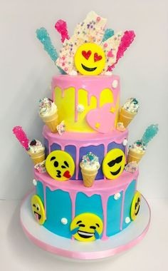 Birthday Cakes For Girls - Novelty Birthday Cakes 9th Birthday Cake, Strawberry Birthday Cake, Birthday Cake With Photo, Novelty Birthday Cakes, Cool Birthday Cakes, Birthday Cake Emoji, Emoji Cake, Pinterest Cake, Girl Emoji