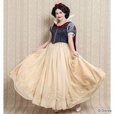 dball Disney Costumes, Halloween Costumes, Disney Girls, Disney Princess, Snow White Costume, Rose Boutique, Fairy Tales, Cosplay, Disney Characters