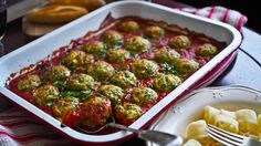 Ricotta & Spinach Balls in Tomato! (Not Quite Nigella) Pureed Food Recipes, Spinach Recipes, Vegetable Recipes, Pasta Recipes, Cooking Recipes, Veggie Meals, Vegetarian Meatballs, Vegetarian Cooking, Vegetarian Recipes