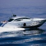 Not everyone want to spend their entire holidays on a yacht! One day can be amply sufficient!