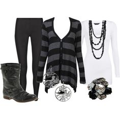 Love the slitely rocker/moto-chic look to this - and of course, I'm obsessed with the stripes <3