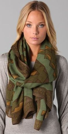 love this scarf. how to tie blanket scarves. I need this for the new one I got!