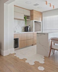 20 tips will help you improve the environment in your bedroom. Kitchen Room Design, Modern Kitchen Design, Home Decor Kitchen, Kitchen Interior, Home Kitchens, Küchen Design, Floor Design, White Wood Kitchens, Cuisines Design