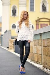 Lavinia F - Sheinside Top - Fluffy