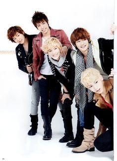 SHINee  Onew, JongHyun, Key, Minho, Taemin