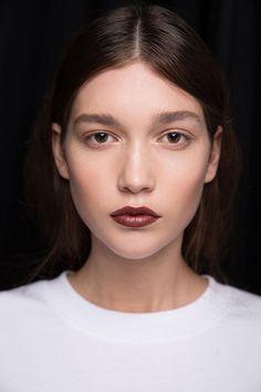 New Zealand Fasion Week 2015 MAC Chestnut Lip Pencil and Paramount Lipstick R Makeup Tips, Beauty Makeup, Hair Makeup, Makeup Products, Beauty Products, Under Eye Makeup, Chestnut Hair, You Look Beautiful