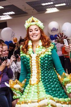 Balloon Dress, Streamers, Designer Dresses, Balloons, Costumes, Fashion, Vestidos, Moda, Designer Gowns