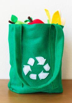 Felt Food - Shopping bag. $4.00, via Etsy.