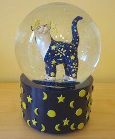 NEW WhimsiClay Cat by Amy Lacombe Musical Snow Globe #25001 Celestial Cat NIB
