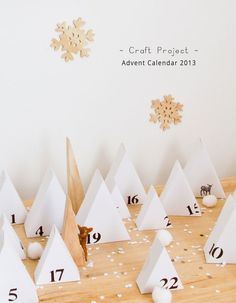 We know everyone is excited for Christmas, so what better way to get pumped up than to get busy with a DIY! Today Véronique from Pichouline has another great DIY for us. A very creative and cute advent calendar. Christmas Countdown, Christmas Calendar, Noel Christmas, Winter Christmas, Xmas, Diy Calendario, Make An Advent Calendar, Advent Calenders, Navidad Diy