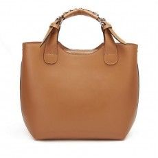 Bagtreeok for wholesale Tote Bags, offers the highest quality and hottest Fashion Genuines leather hanbag Blue. Buy top quality China Wholesale Tote Bags from Chinese Handbags wholesaler Designer Leather Handbags, Leather Purses, Leather Bags, Brown Leather Totes, Cow Leather, Wholesale Tote Bags, Handbag Wholesale, Sr1, Brown Bags