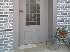 House Entrance, Entrance Doors, Garage Doors, Front Doors, Apartment Renovation, Model Homes, Brick, Stairs, Exterior