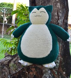Free crochet Snorlax pattern (pillow sized!):
