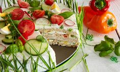 Pikante Sandwichtorte selber machen Sandwich Cake, Sandwiches, Canapes, Caprese Salad, Bruschetta, Brunch, Food And Drink, Low Carb, Stuffed Peppers