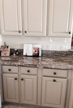 La Tea Da S Shared This Beautiful Kitchen Cabinet Makeover I Have The Most Talented