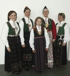 Magasin for Bunad og Folkedrakt Traditional Outfits, Norway, Doll Clothes, Sequin Skirt, Sequins, Google Search, Skirts, Fashion, Pictures